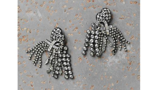 Celine Larges Rivières, black painted aliminium and rhinestone earring