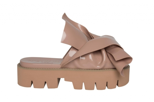 Knot Sandal by Kartell and N21