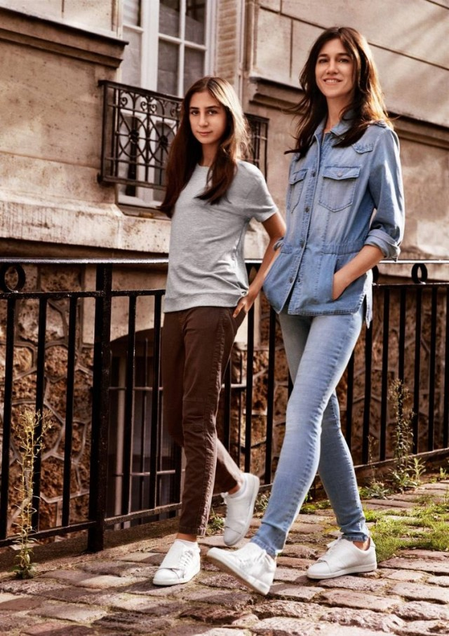 Charlotte-Gainsbourg-and-her-daughter-Alice-have-the-capsule-J-Brand-x-Comptoir-des-Cotonniers.