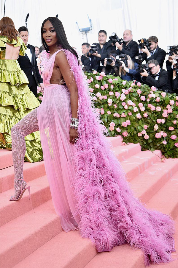 Met-Gala-2019-camp-Naomi-Campbell-in-Valentino
